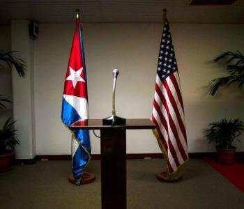 """Vertice Panama: Storica """"stretta di mano"""" Obama-Castro. E c'è anche Parolin"""