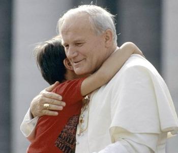 Ruini: Giovanni Paolo II, un grande uomo con un grande cuore
