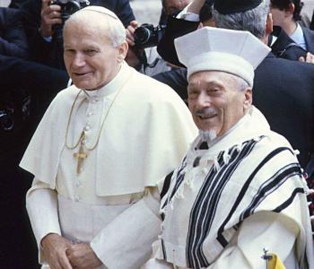 13 aprile 1986 Giovanni Paolo II entrava nella Sinagoga di Roma. Prima volta dai tempi di Pietro