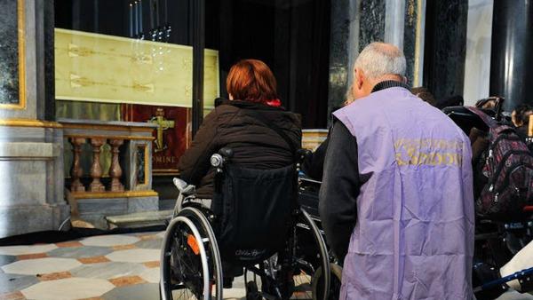Malati e disabili i privilegiati della Sindone