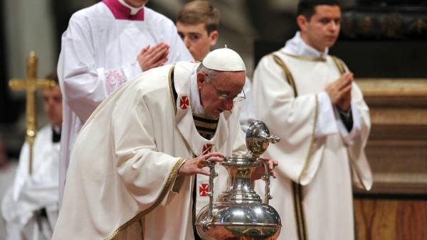 Papa Francesco nella Messa Crismale: Imparare ad essere stanchi e imparare a riposare