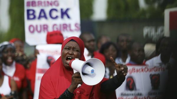 Nigeria, marcia per le ragazze rapite un anno fa