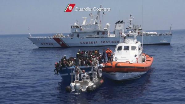 Naufragio al largo della Libia: morti 9 migranti, 144 i superstiti