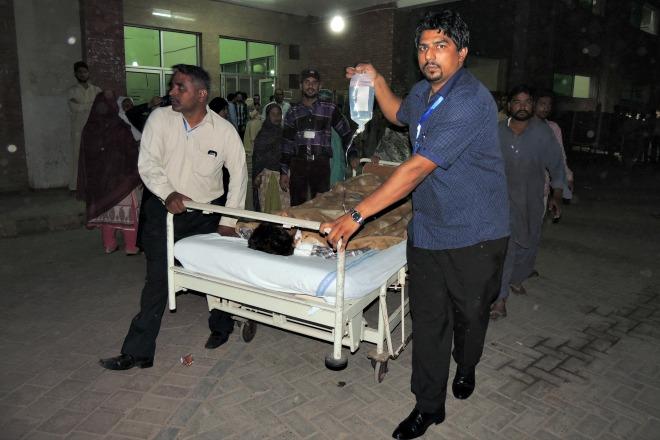 Pakistan: ragazzo, bruciato vivo perché cristiano, è grave