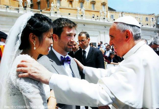 Papa Francesco all'Udienza generale: Testimoniare la bellezza del matrimonio!