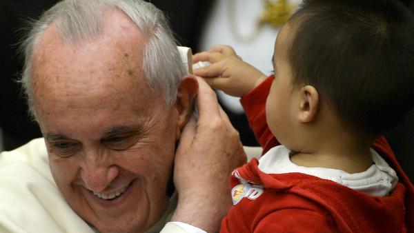 Dialogo, misericordia, riforma: le parole di Papa Francesco secondo Padre Spadaro