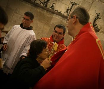 Terra Santa: nella Basilica della Resurrezione celebrata l'Invenzione (ritrovamento) della Santa Croce