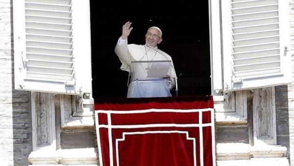 Papa Francesco: preoccupazione e dolore nel cuore per profughi Bengala