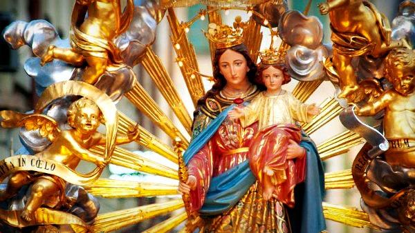 Torino, Festa di Maria Ausiliatrice. Mons. Nosiglia: non vi rassegnate al mondo di oggi