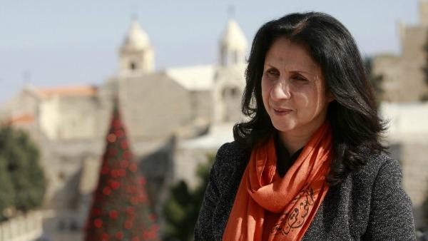 Torino. Il sindaco di Betlemme Vera Baboun, davanti alla Sindone, invoca la pace per la Terra Santa