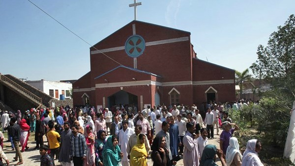 Pakistan: chiesa devastata e 6 cristiani percossi in Punjab