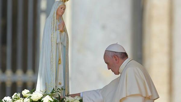 Papa Francesco: Affidate alla Madonna di Fatima tutto ciò che siete, tutto ciò che avete!
