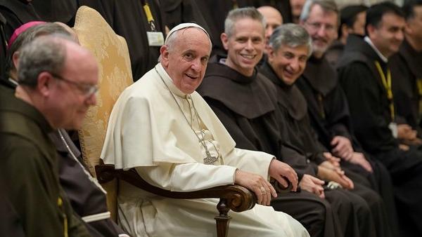 Papa Francesco ai Frati minori: il popolo vi ama! Siate poveri e umili