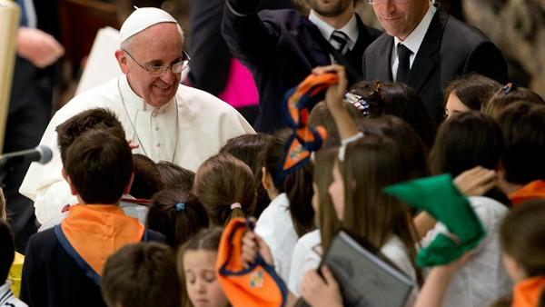 Papa Francesco: catechesi non sia astratta ma incontro con Gesù vivo