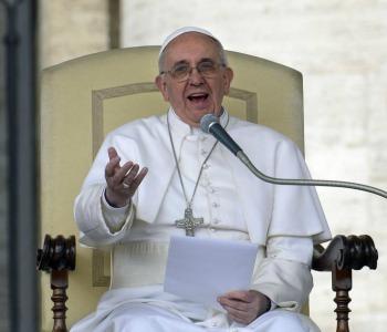 Papa Francesco all'Udienza: #permesso?, #grazie, #scusa le tre parole-chiave della famiglia