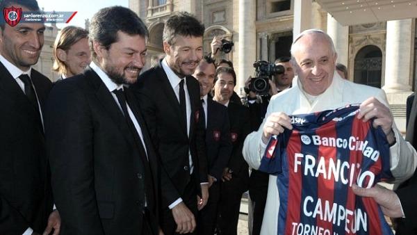 Papa Francesco sul calcio: ultrà non sempre lottano per il club, molti mercenari