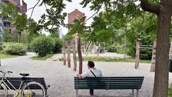 La ragazzina disabile lapidata a Milano e la terribile forza dell'anonimato