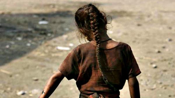 India, 15enne bruciata dopo strupro di branco