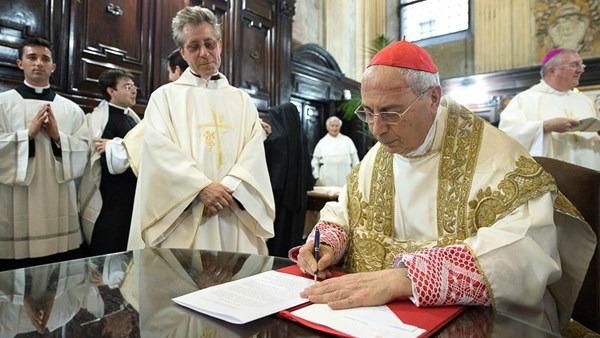 Card. Mamberti: pace, impegno centrale per diplomazia S. Sede