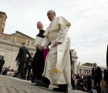 Papa Francesco: si metta fine al dramma dei cristiani perseguitati