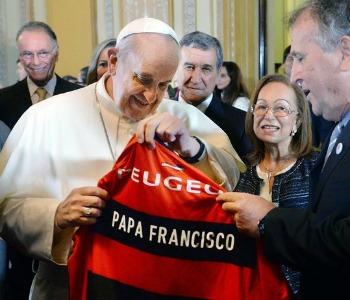 Papa Francesco: allenatori educhino giovani a valori autentici sport