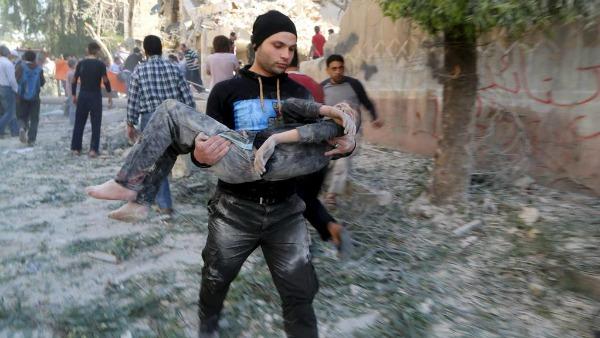 Siria. Padre Pizzaballa: situazione tragica, gente cerca di farsi forza