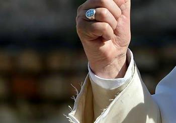 Quella veste sgualcita del Papa in visita ad Ostia...
