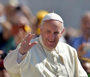 Papa Francesco: noi cristiani dovremmo essere sempre più vicini alle famiglie che la povertà mette alla prova