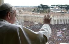Papa Francesco saluta la marcia 'Una terra, una famiglia umana' e un gruppo di fedeli boliviani