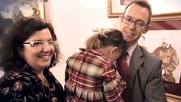 Carmen, la bambina miracolata dai genitori di Santa Teresina di Lisieux
