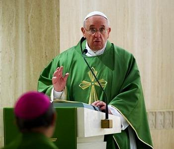 Papa Francesco: accumuliamo ricchezze che valgono alla borsa del cielo