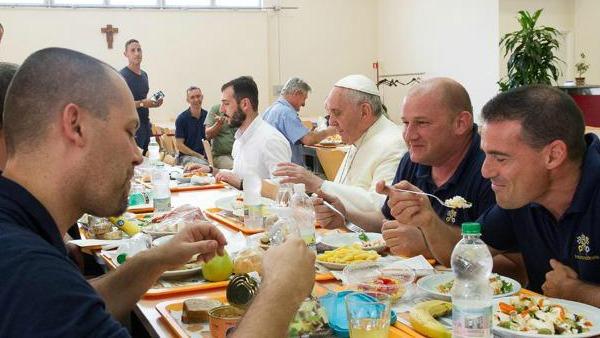 Torino. Alla tavola di Bergoglio dieci giovani detenuti