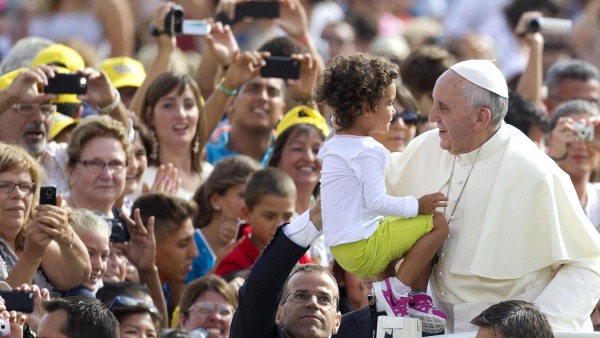 Papa Francesco: divisioni in famiglia franano sui figli
