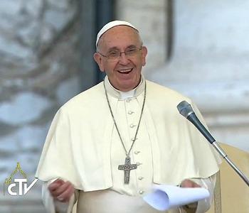 Papa Francesco: Le differenze tra uomo e donna fanno crescere i figli