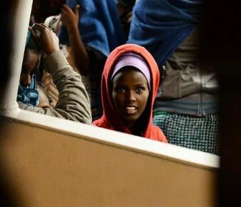 Migranti, il governo a Maroni: demagogia