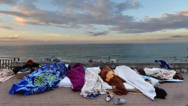 Vescovi Francia: Nostra vergogna per quanto accade con i migranti