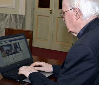 Un pomeriggio in chat con l'arcivescovo…