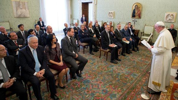 Papa Francesco: cresca amicizia tra ebrei e cattolici per la pace nel mondo