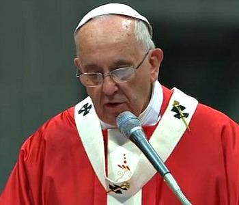 Papa Francesco: Quante forze cercano di annientare la Chiesa, ma lei resta viva