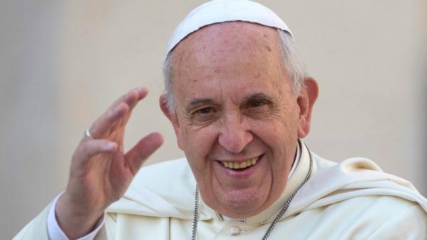 Papa a Torino. Nosiglia: volto della città carico di speranza