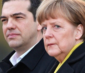 Merkel gela Tsipras: Stop negoziato fino a referendum