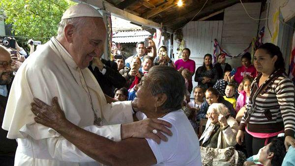Papa Francesco è pauperista? No, fa sue sofferenze dei poveri!