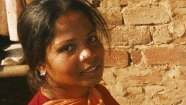 Asia Bibi, la Corte suprema sospende la pena e ordina la revisione del caso. Bhatti: Presto libera!