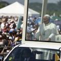 Papa Francesco: il vino migliore? Sta per arrivare per quelli che oggi vedono crollare tutto
