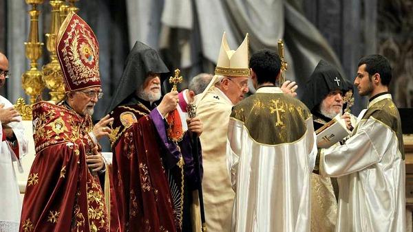Funerali del patriarca Bédros. Papa Francesco: era profondamente radicato sulla Roccia che è Cristo