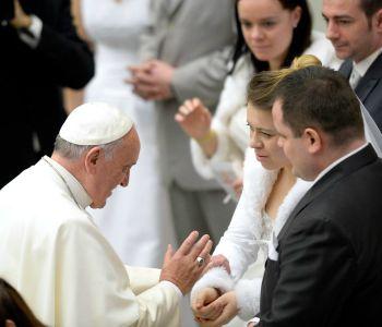 Papa Francesco ai giovani: non abbiate paura di sposarvi!