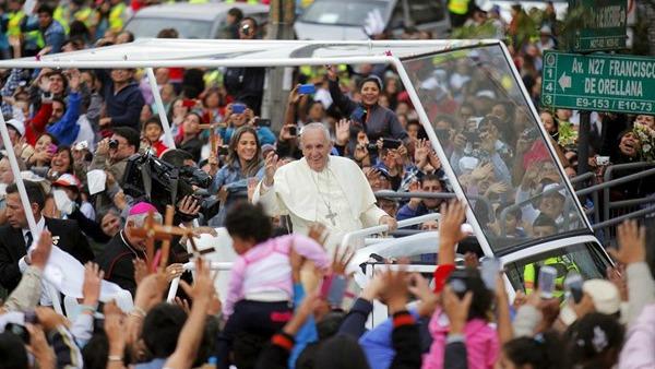 P. Lombardi: comunione del Papa con un grande popolo che lo capisce