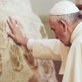 Papa Francesco da Caacupé: Maria è Madre. E' stata e rimane accanto ai suoi figli