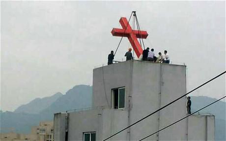 Cina: ancora proteste nello Zhejiang per la rimozione delle croci