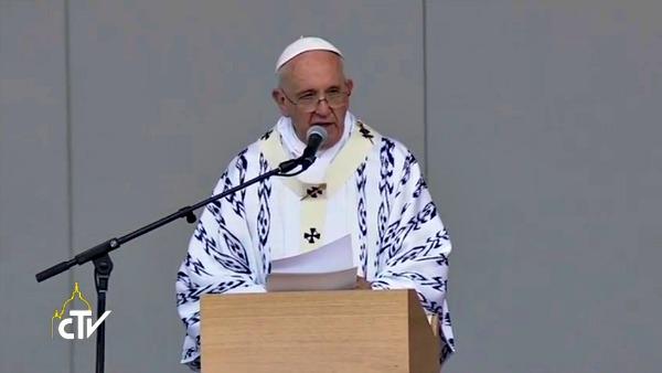 Quasi 2 milioni di fedeli a Quito per Papa Francesco: donarsi agli altri, questa è la nostra rivoluzione